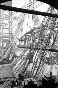 De verbouwing van de Spijkenisserbrug van draaibrug naar hefbrug